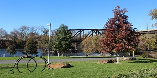 Grays Ferry Crescent Trail and Park